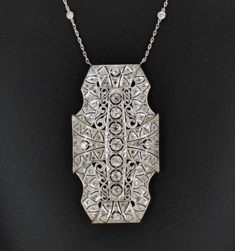 Antique, Edwardian 4 carats of diamonds necklace in platinum
