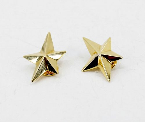 Angela Cummings star earrings in 18k yellow gold