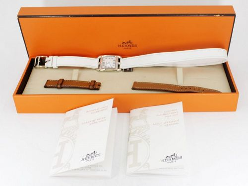 Hermes, 18k gold Cape Cod watch, 2 leather straps. Box papers.