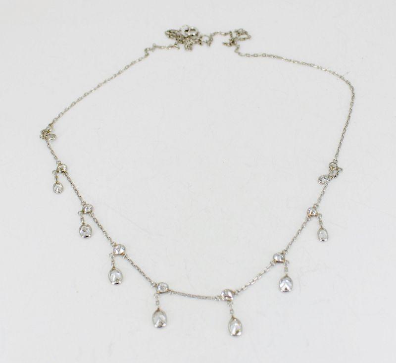 3 carats of diamonds draperie necklace in platinum