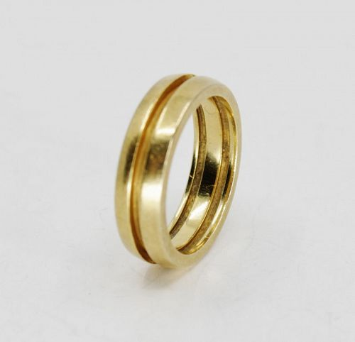 Tiffany & Co, wedding band ring in 18k yellow gold