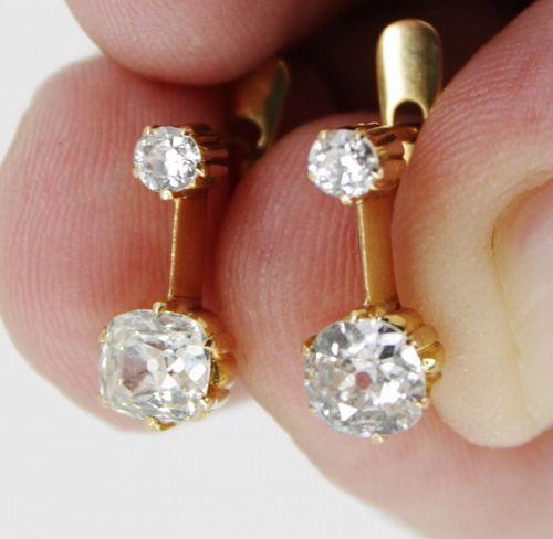 Antique diamond dangle earrings in 18k yellow gold