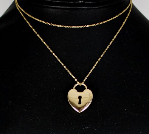 Tiffany & Co padlock chain necklace in 18k yellow gold