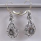 Antique 18K white gold diamonds dangle earrings