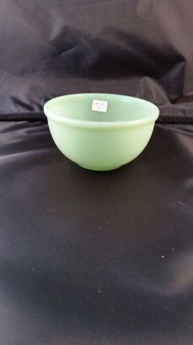 Fire King Jade-ite beaded rim mixing bowl 4 7/8 inch