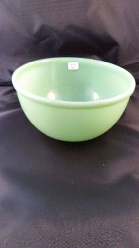 Fire King Jade-ite beaded rim mixing bowl 7 1/8 inch