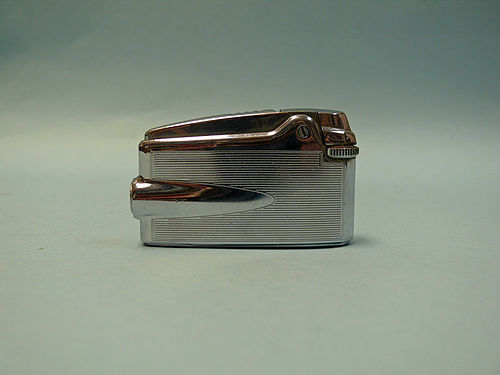 Vintage Ronson Veraflame Lighter / Needs Repair