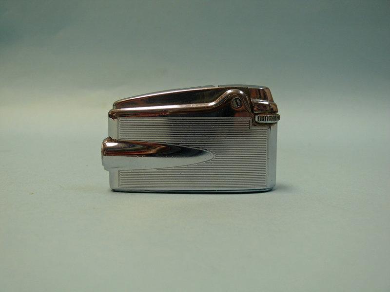 Vintage Ronson Veraflame Lighter / Needs Repair