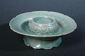 Very Finely Incised Beautiful Sea-Green Celadon Cup-Stand