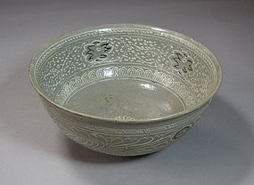 A Very Fine and Rare  Punchong Inlaid Bowl-15th C