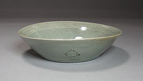 Fine/ransparent Inlaid Celadon Shallow Dish-13th C.