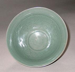 Very Rare/Fine Korean Incised Celadon Deep Bowl-12th C.