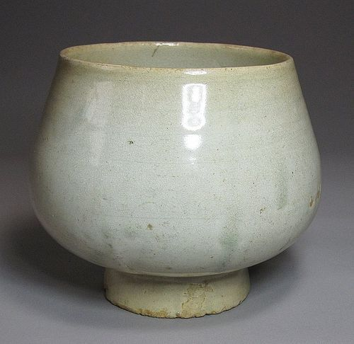 Very Rare and Fine Early Yi Period White Porcelain Stem Bowl-15th C