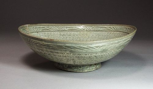 "Extrem. Rare Punchong Bowl Incised with Character �天""-15 C."