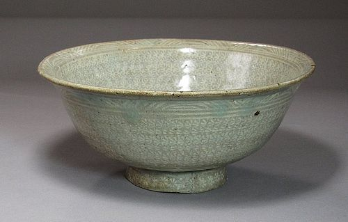 Fine White Slip Inlaid Punchong Bowl with Flower heads-16th C.