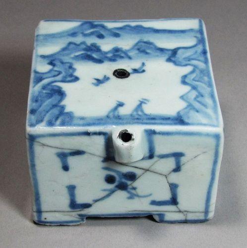 A Fine Blue and White Square Shape Water Dropper-19th C