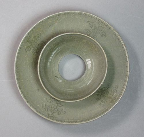 A very Fine Korean Peony Incised Celadon Cup-Stand-12th C.