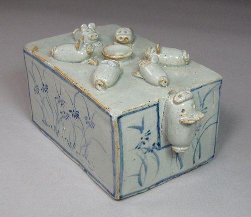Extre. Rare  B/W/Sculptured 7 Pig Water Dropper(����.�� 硯滴)