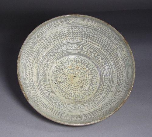 A Very Fine Korean Buncheong White Slip Inlaid Bowl-15th C,
