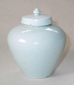 Very Fine and Rare Early White Porcelain Jar and Cover