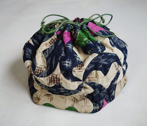 Japanese Vintage Textile Bag Made of Asa Omi Kasuri & Akaso Kasuri