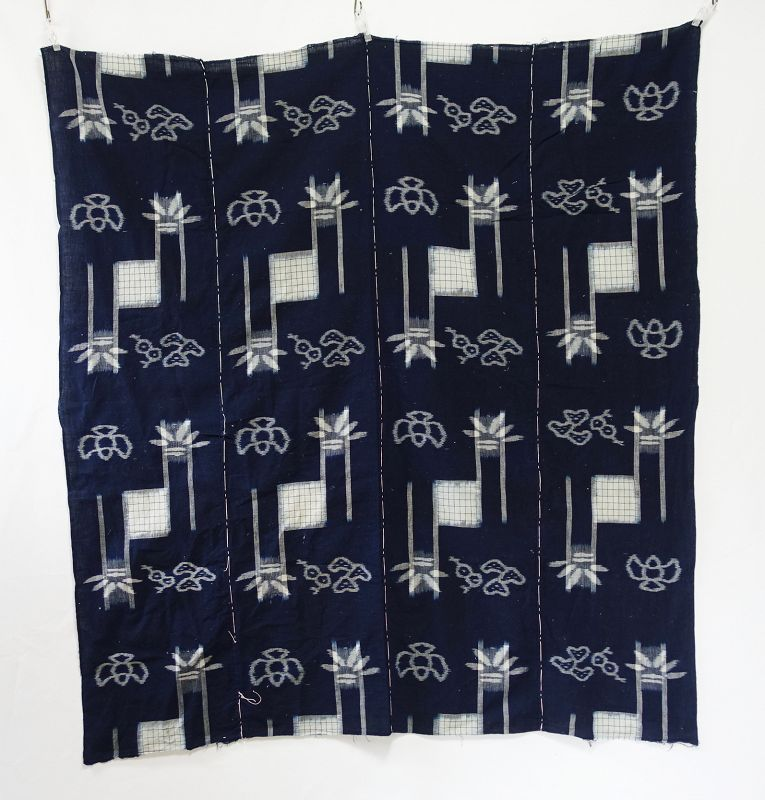 Japanese Antique Textile Cotton Futonji with Kasuri Pattern