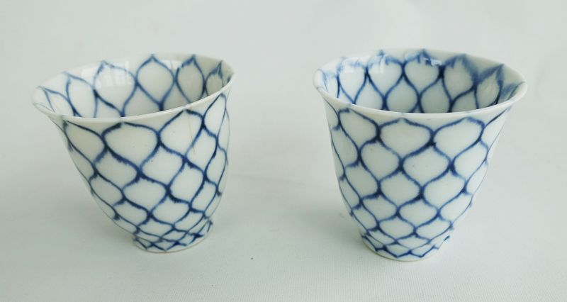 Japanese Antique Ceramic A Pair of Choku with Mesh Design