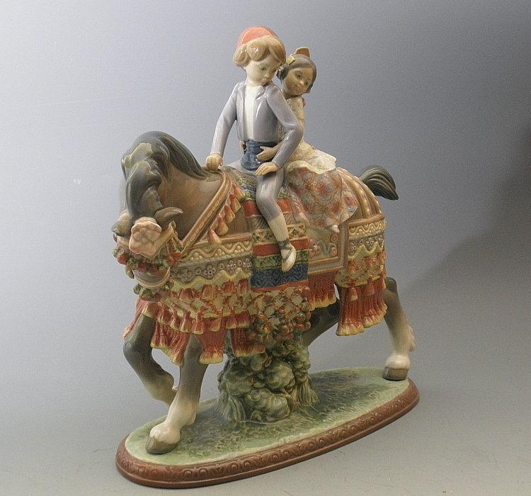 Lladro Valencian Children Porcelain Figurine Retired
