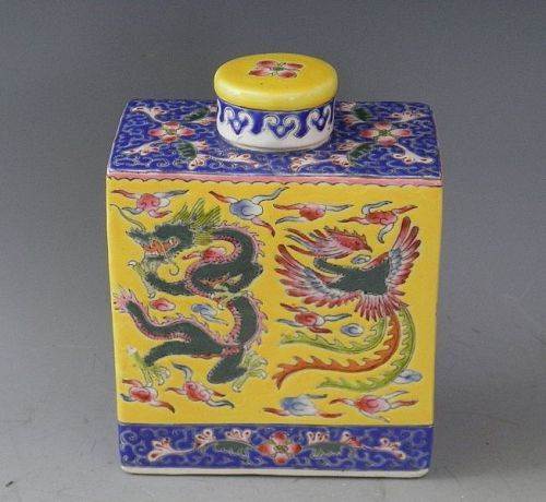 Chinese Porcelain Yellow Tea Caddy with Dragon and Phoenix