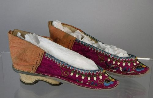 Antique Chinese Silk Embroidered Lotus Shoes with Gold Threads