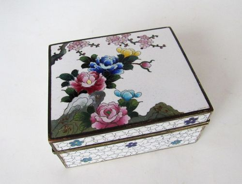 Japanese White Inaba Hinged Cloisonne Box Bird Flowers