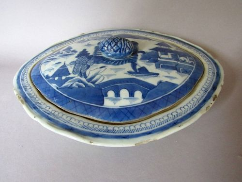 Antique Chinese Export Blue and White Porcelain Canton Covered Bowl