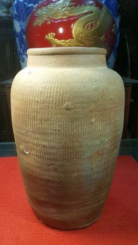 Han dynasty.ceramic vases