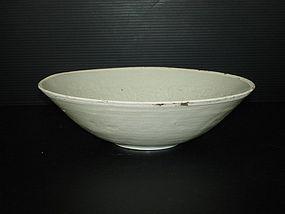 Song - Yuan qingbai large bowl, phoenix motif