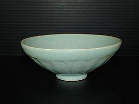 Song -  Yuan Hutian qingbai glaze craved bowl