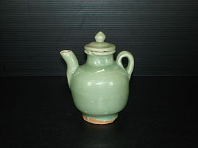 Song Yuan longquan celadon ewer with cover