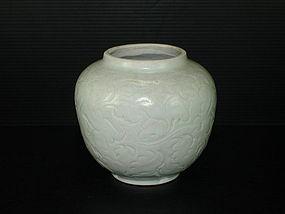 Rare Song Yuan qingbai carved peony flower jar