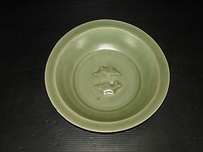 Yuan longquan celadon large twin fish dish 21cm