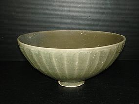 Song dynasty longquan celadon large bowl 21cm