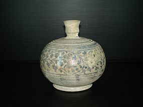 Rare Sawankhalok flask bottle with flower motif