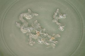 Rare Song longquan celadon dragon dish