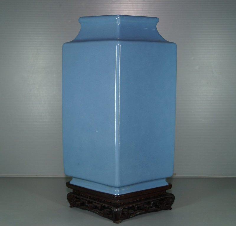 Qing 18th century blue glaze large vase