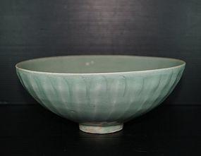 Song Yuan longquan blue green celadon large bowl