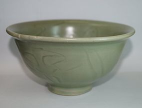 Ming dynasty longquan celadon carved large bowl