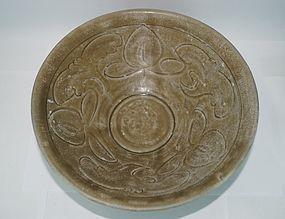 Song dynasty tong an kiln celadon large bowl