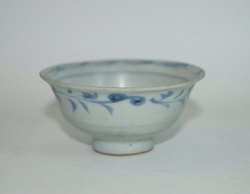Yuan dynasty blue and white tea cup
