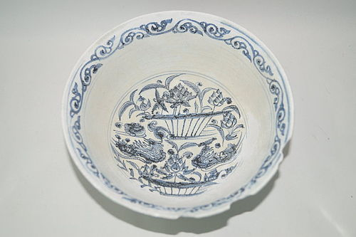 Rare Yuan dynasty blue and white large mandarin duck bowl shipwreck