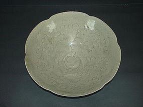 Rare Song dynasty Hutian Qingbai flower shape bowl