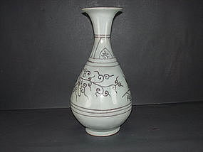 Yuan dynasty red under glaze yuhuchun vase (restored)