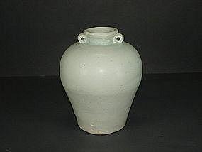Good Yuan luanbai / qingbai small meiping with two lugs